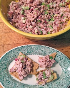 Ham salad can be put into bread for a sandwich, onto crackers, used to fill celery sticks or as stuffing for a quarter of a red pepper, or wrapped into a lettuce leaf.